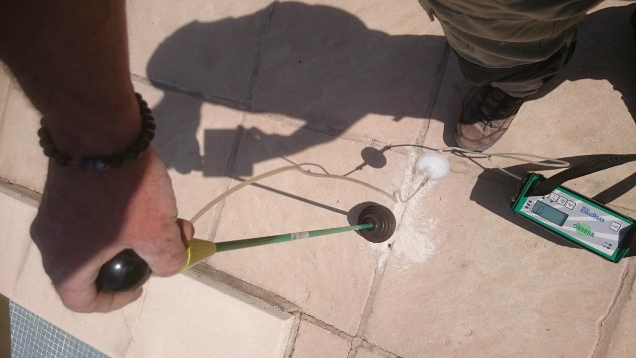 recherche de fuite piscine avec gaz traceur dans les bouches du rhone